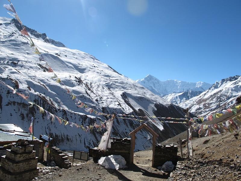 dernier village avant le col, 4 900 m d'altitude, tour des Annapurnas, Nepal